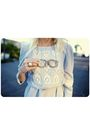 Blue-vintage-dress-beige-necklace-white