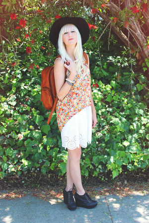 burnt orange Late Manta bag - black Jeffrey Campbell shoes