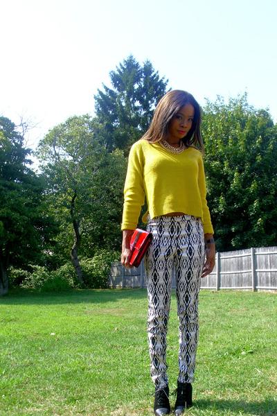 ethnic print H&M pants - cap toe bootie Zara boots - H&M sweater - vintage bag