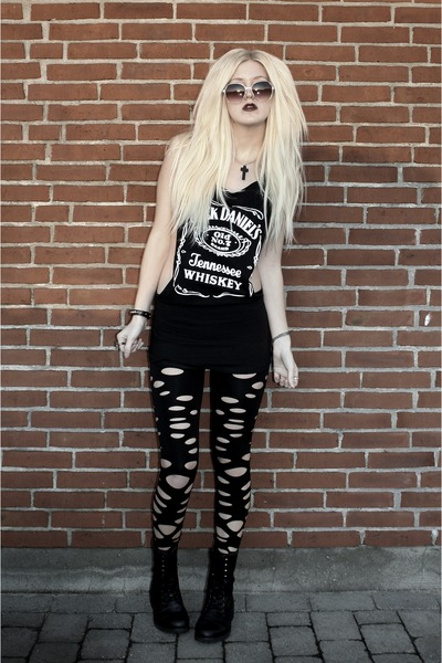 combat boot Bianco boots - Urban Outfitters leggings - Coal N Terry Vintage top