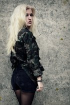 button-up Army Star jacket - vintage Urban Outfitters shorts