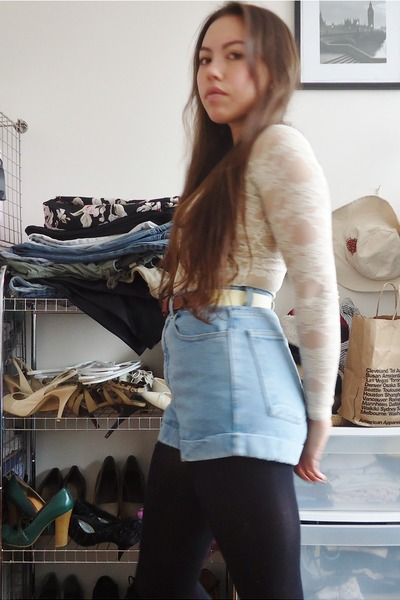 Blue Shorts Black Tights Light Yellow Belts Cream