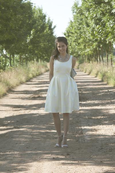 romwe dress - Happiness Boutique necklace - Kitten sandals
