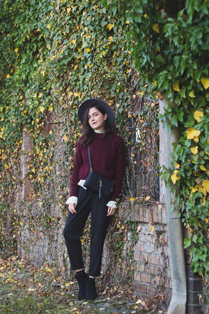 H&M hat - New Yorker boots - H&M sweater - sammydress bag - H&M pants