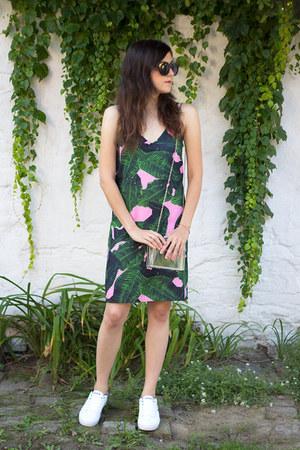 H&M ring - Sheinside dress - Choies bag - romwe sunglasses - Lacoste sneakers