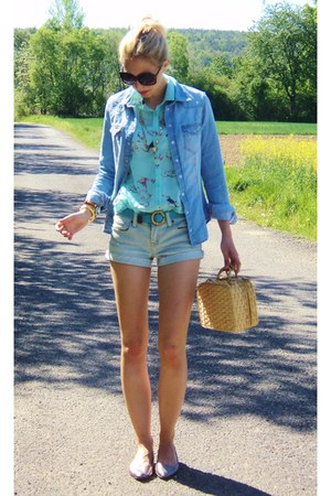 blue Forever21 shorts - gold Urban Outfitters shoes - blue H&M blouse
