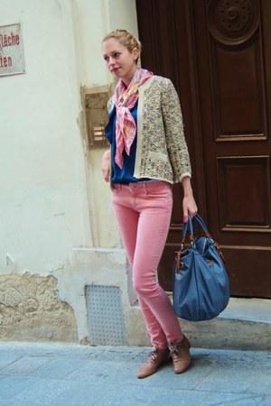 bubble gum Zara jeans - gold Mango jacket - blue Rue Princesse bag