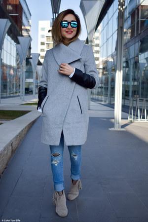 Bershka coat - Levis jeans - blue Ray Ban sunglasses - white Rosegal blouse