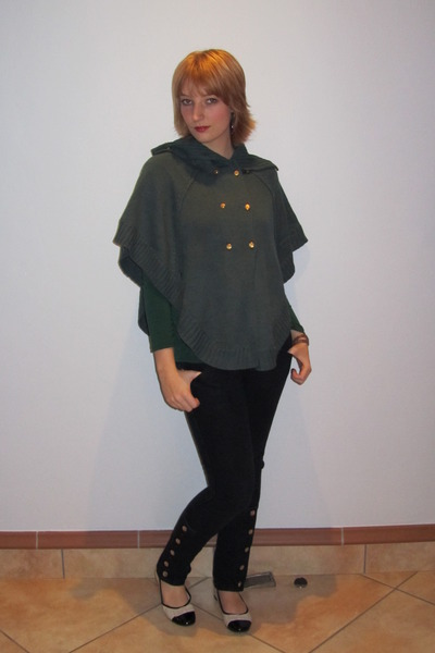 green Mr Price blouse - green Insync cardigan - blue Red jeans - beige Launch sh
