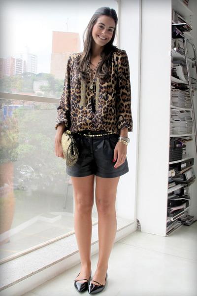 0c687a7eb5d1 Brown Leopard Print Pelu Shirts, Dark Khaki Mettalic Oasis Purses ...