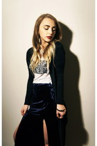 navy Forever 21 skirt - white graphic tee brandy melville t-shirt