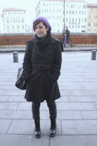 black Dr Martens boots - charcoal gray Zara leggings - black H&M scarf - purple