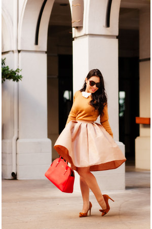 mustard bow abaday sweater - tan midi Chicwish skirt