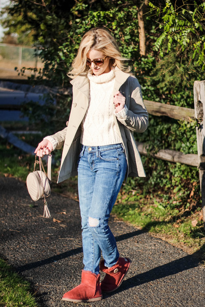 ivory Chicwish sweater - brick red Ugg Australia boots