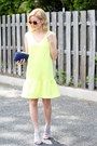 Light-yellow-sheinside-dress-navy-kayu-design-bag