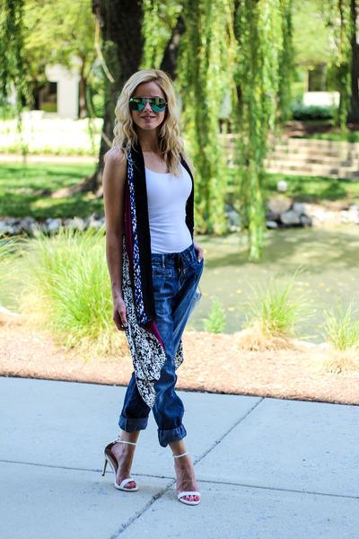 white Diane Von Furstenberg vest - navy Silver Jeans Co jeans