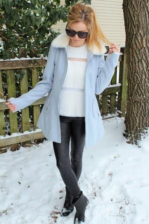 Fergie footwear boots - light blue Coffee shop coat - white Endless Rose top