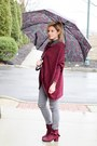 Maroon-beast-fashion-boots-maroon-en-creme-top-heather-gray-fire-jeans-pants