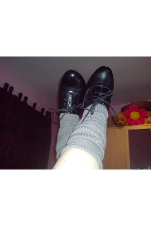 Shoes and my Verrrry pale legs!