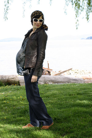 brown leather danier jacket - navy Thyme Maternity jeans