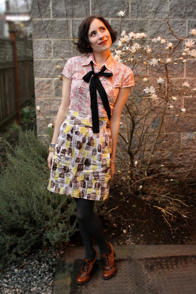 red thrifted shirt - black from a skirt accessories - yellow RW&CO skirt - gray
