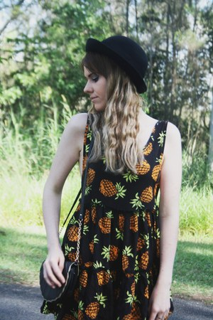 swing dress Paper Heart dress - bowler hat Black Rock hat - shell Kmart bag