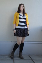 28baefcede837 H&M Skirts, H&M Tights, H&M Tops, N2H Wedges, Swarovski Necklaces ...