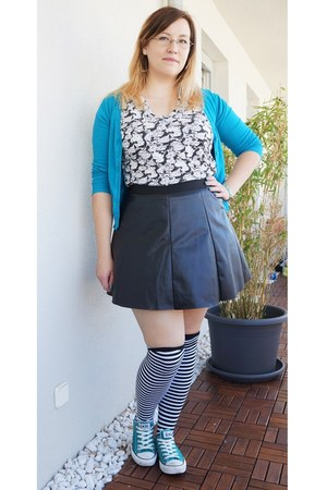 turquoise blue Primark cardigan - white FanPlusFriend socks