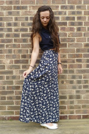 navy Oasis skirt - navy top