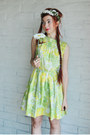 Chartreuse-flower-pattern-vintage-dress-white-kitten-paws-accessories