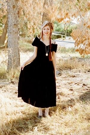 Moda Intl dress