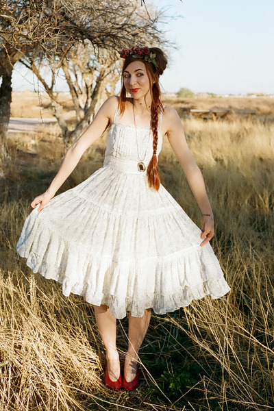 white gunne sax style unknown dress
