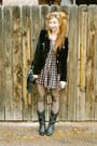 Black-cowboy-boots-vintage-boots-black-velvet-forever-21-jacket-black-polka-