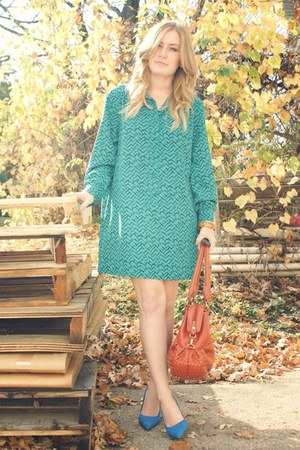 teal vintage dress - burnt orange purse - blue go jane heels