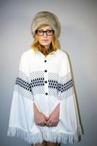 Gapeisha Pearl Vintage sweater - vintage hat