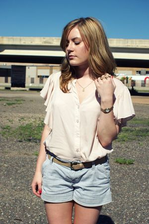 Forever21 blouse - American Eagle shorts - vintage belt - go jane shoes