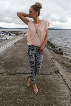 H&M pants - Nellycom sandals - GINA TRICOT top - GINA TRICOT bracelet