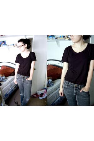 black normakamali shirt - gray nobo jeans