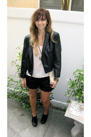 silence and noise jacket - Chloe purse - lace Purrr shorts - Deena & Ozzy wedges