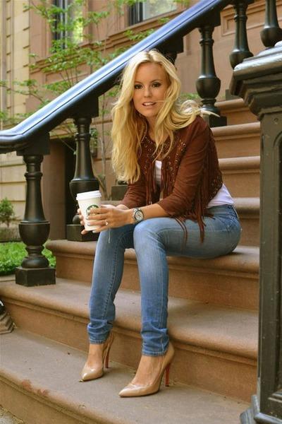 92735b06b3 Brown Blazers, Blue Jeans, White Blouses, Nude Heels  