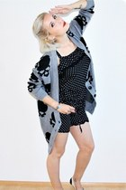 heather gray skull GINA TRICOT cardigan - black polka dot New Yorker romper