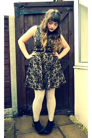 black Newlook boots - camel Newlook dress - eggshell Newlook tights