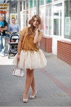 Tulle skirt and suede top // Carrie Bradshaw inspired