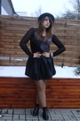Black-leather-no-name-skirt-charcoal-gray-chiffon-second-hand-top