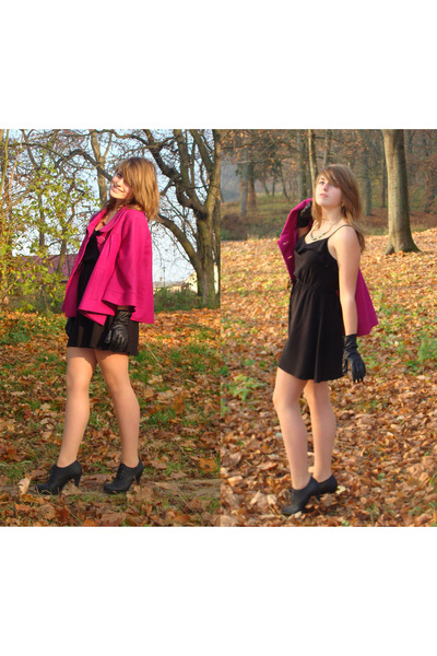 hot pink Secondhand coat - black cotton H&M dress - black leather CCC heels