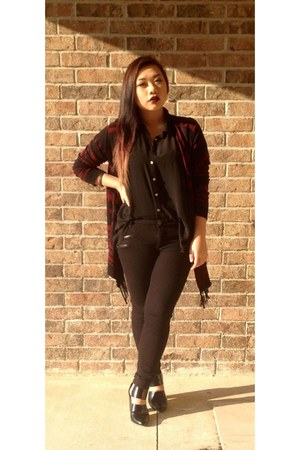 black boots - black top - black pants - brick red Forever 21 cardigan