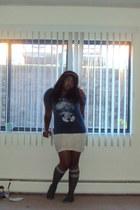 cream lace Vanity skirt - gray Sanrio socks - blue unknown brand t-shirt