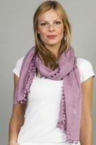 Kovalum scarf