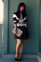 H&M blazer - vintage bag - Forever 21 blouse - Uniqlo skirt - Aldo pumps