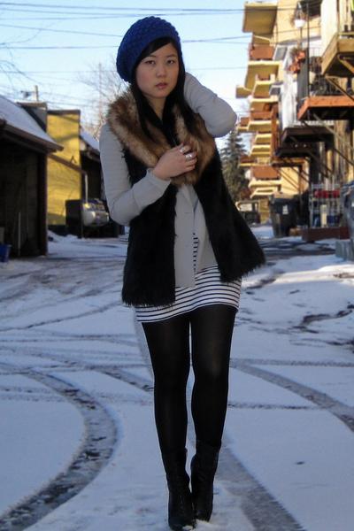 black Forever 21 vest - gray Silence & Noise blazer - white H&M dress - blue For